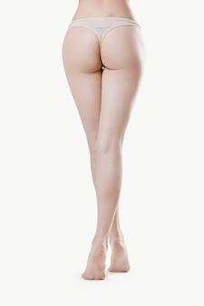 Nogi pięknej kobiety