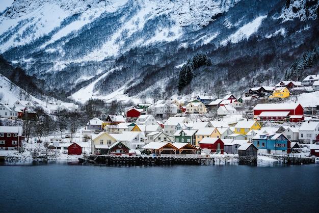 Norweskie fiordy zimą