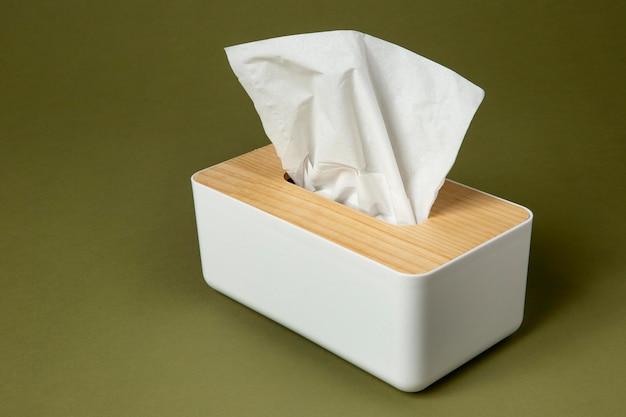 Nosowa biała chusteczka do nosa