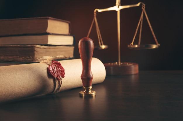 Notariusz notarialny i pieczęć testamentu i testamentu. narzędzia notariusza