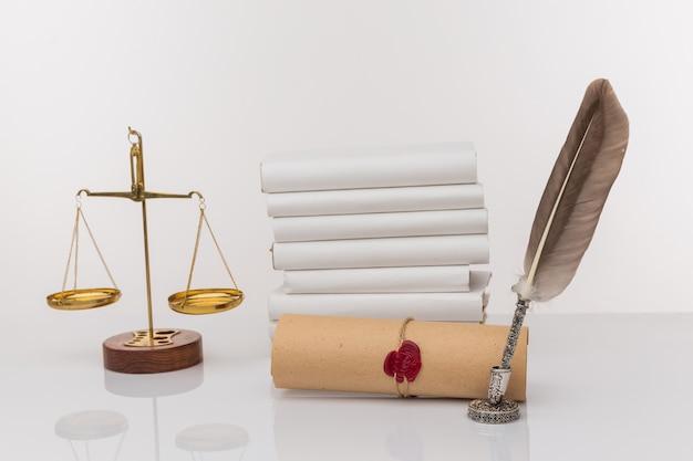 Notariusz woskowa stempel i woskowa pieczęć na dokumencie.