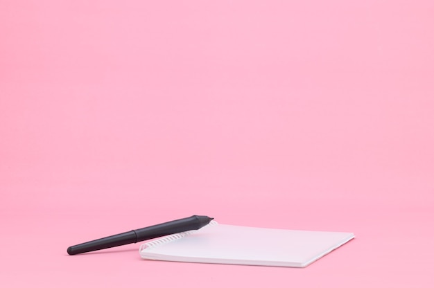 Notatnik czytaj zapisuje wspomnienia