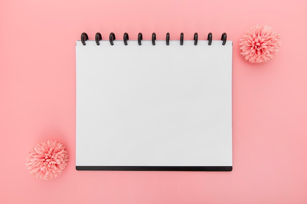 Notatnik z kwiatami