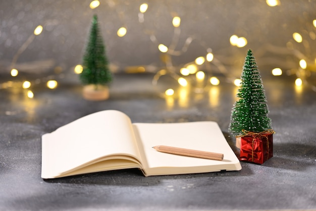Notatnik z miejscem na tekst na temat świąteczny
