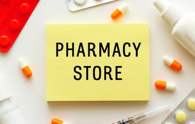 Notatnik z tekstem pharmacy store
