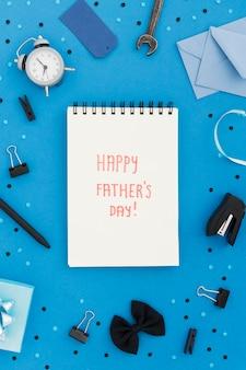Notatnik z wiadomością na dzień ojca