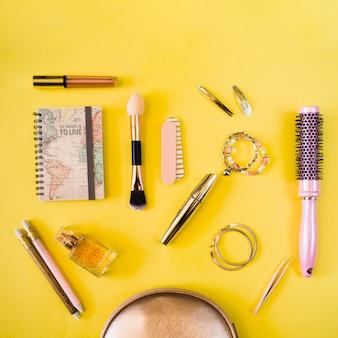 Notebooki i artykuły kosmetyczne