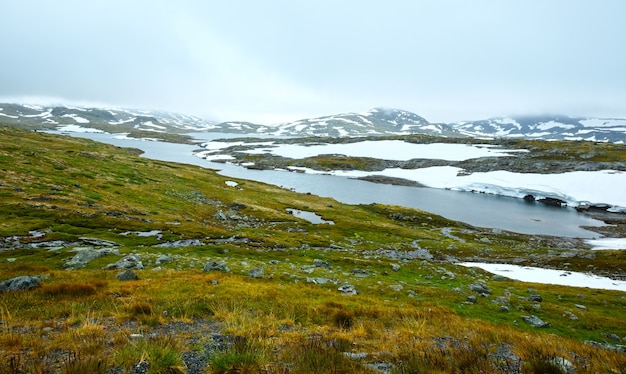 Noth norway górska dolina tundry i małe kałuże