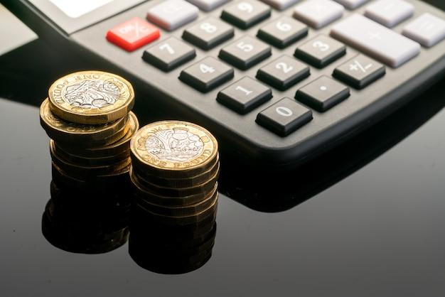 Nowa brytyjska moneta 1 funt w studio