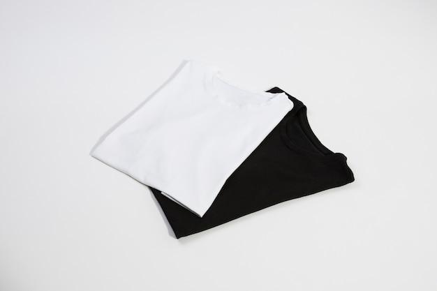 Nowe czarno-białe t-shirty