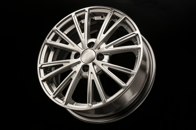Nowe, nowoczesne felgi aluminiowe