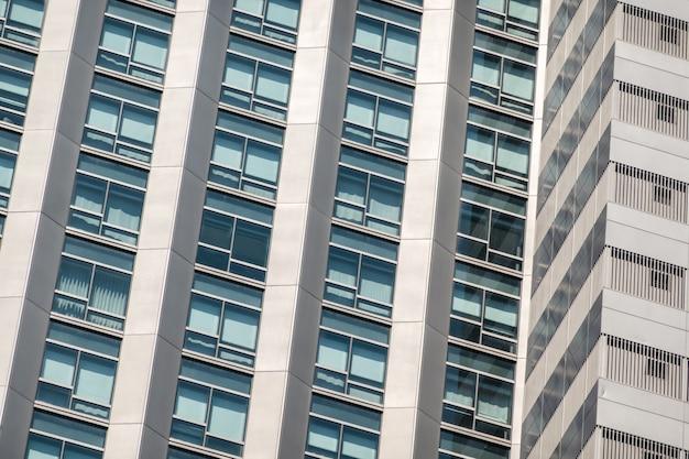 Nowoczesna architektura biznesowa w mieście