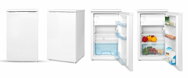 Nowoczesna domowa lodówka z jedzeniem, cztery kąty, na białym tle.