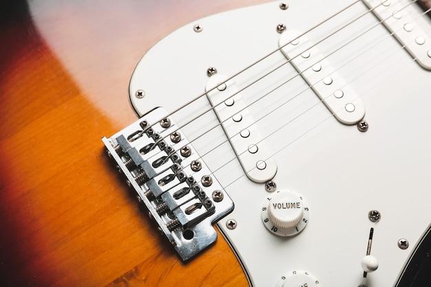 Nowoczesna gitara basowa, widok zbliżenie