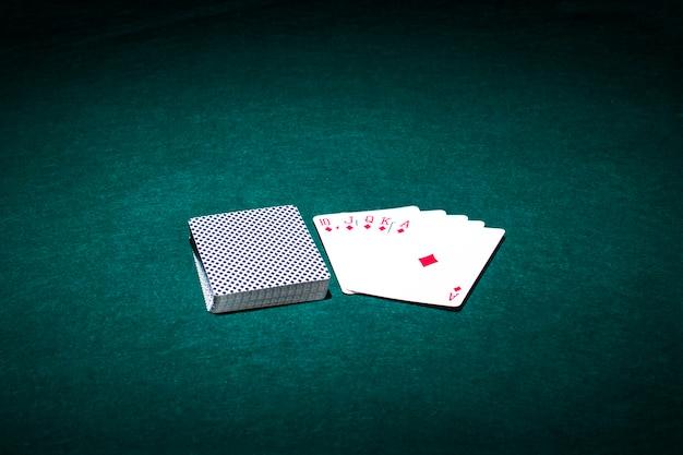 Nowoczesna kompozycja kart pokera
