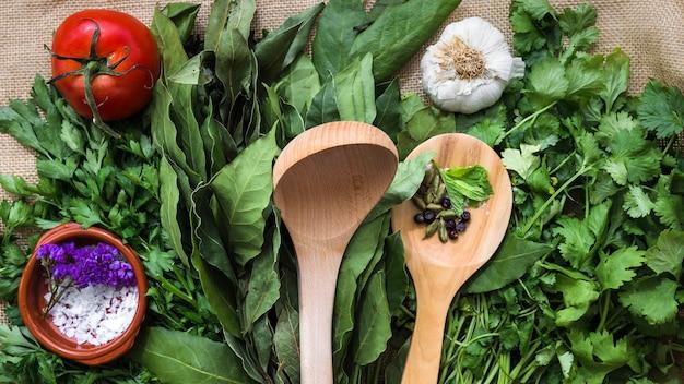 Nowoczesna kompozycja kuchni ze zdrowymi składnikami