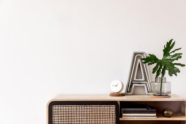 Nowoczesna kompozycja salonu z komodą projektową i przestrzenią do kopiowania w wystroju domu szablon
