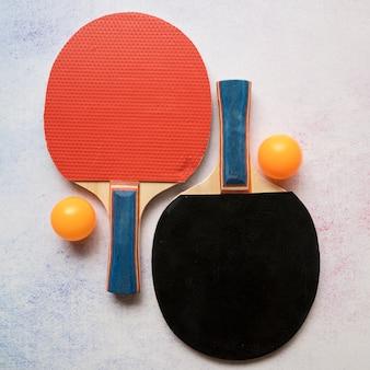 Nowoczesna kompozycja sportowa z elementami ping-ponga