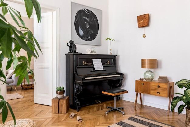Nowoczesna kompozycja wnętrza domu ze stylowym czarnym pianinem, designerskimi meblami, dywanem, kaktusami, roślinami, dekoracją, makietami i eleganckimi akcesoriami osobistymi w wystroju domu.