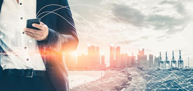 Nowoczesna Kreatywna Komunikacja I Sieć Internetowa łączą Się W Inteligentnym Mieście Premium Zdjęcia
