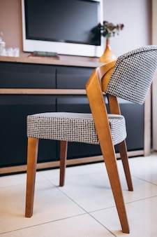 Nowoczesne drewniane krzesło