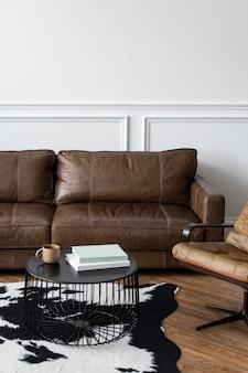 Nowoczesne, industrialne, luksusowe wnętrze salonu ze skórzaną kanapą i stolikiem kawowym