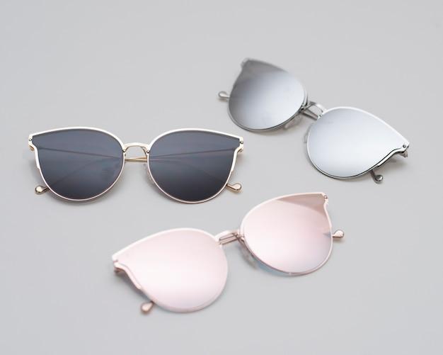 Nowoczesne modne okulary przeciwsłoneczne