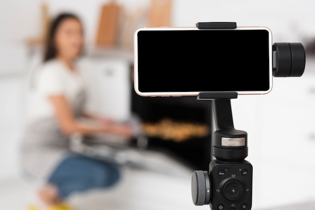 Nowoczesne nagrywanie telefonu na statywie