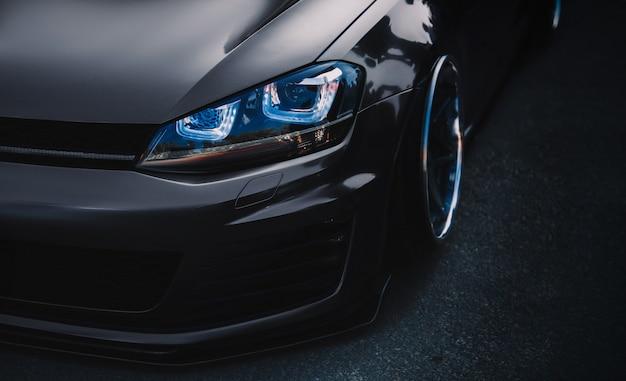 Nowoczesne tuningowanie samochodów sportowych z bliska tapeta