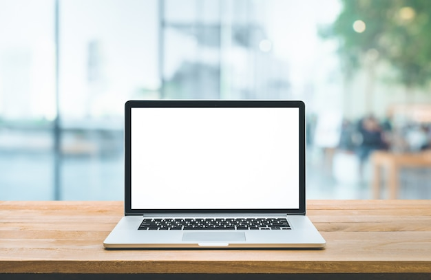 Nowoczesny komputer, laptop z pustym ekranem na pasku licznika