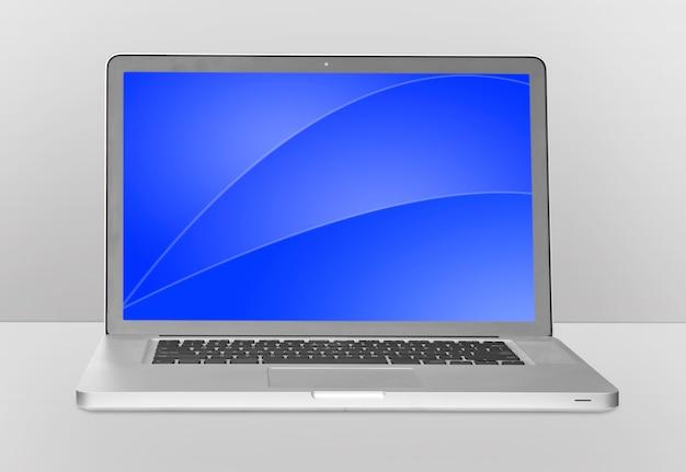 Nowoczesny laptop na białym tle.