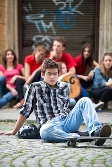 Nowoczesny nastoletni chłopak