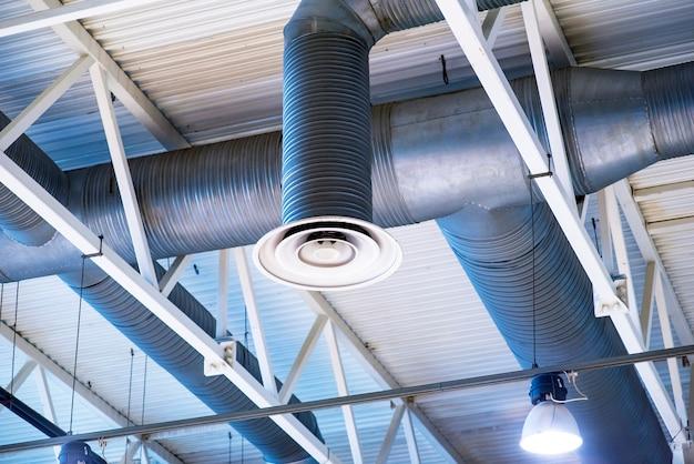 Nowoczesny nawilżacz i oczyszczacz powietrza w fabryce