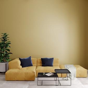 Nowoczesny salon z kanapą i poduszkami przed żółtą ścianą