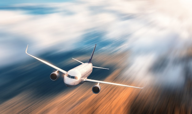Nowoczesny samolot z efektem rozmycia ruchu
