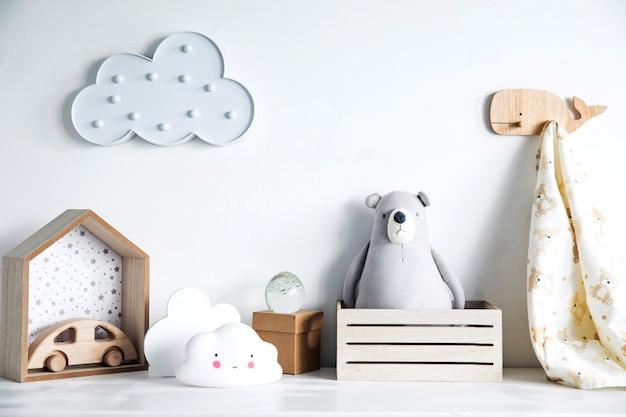 Nowoczesny skandynawski pokój dla noworodka