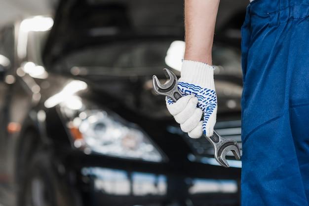 Nowoczesny skład mechanik samochodowy