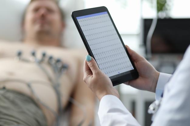 Nowoczesny tablet high-tech dla lekarzy