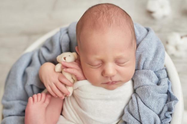 Nowonarodzonego chłopca do spania