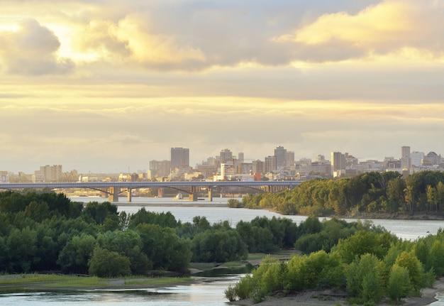 Nowosybirsk nad rzeką ob