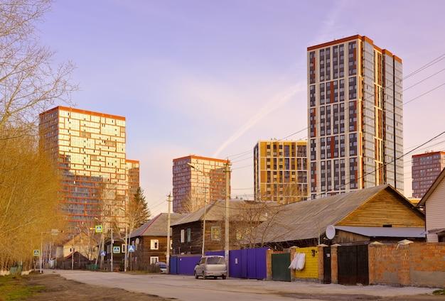 Nowosybirsk syberia rosja05032021 nowa dzielnica mieszkaniowa czyste wybrzeże