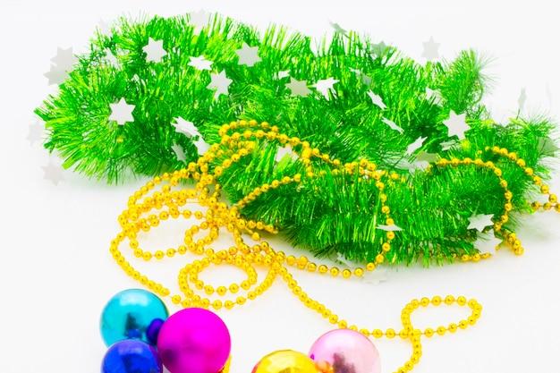 Nowy rok nadchodzi koncepcja. szczęśliwego nowego roku zabawki