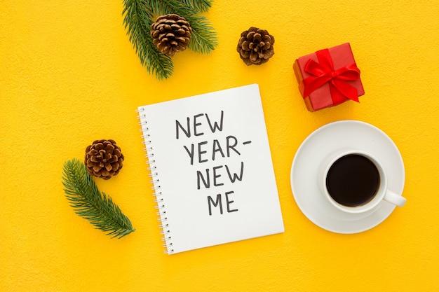 Nowy rok nowy ja koncepcja inspiracji na białym tle płaska leżała