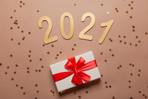 Nowy rok z prezentami złotymi