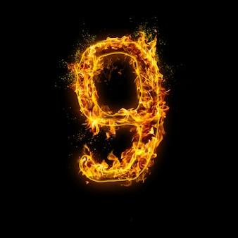 Numer 9. płomienie ognia na czarnym tle, realistyczny efekt ognia z iskrami.