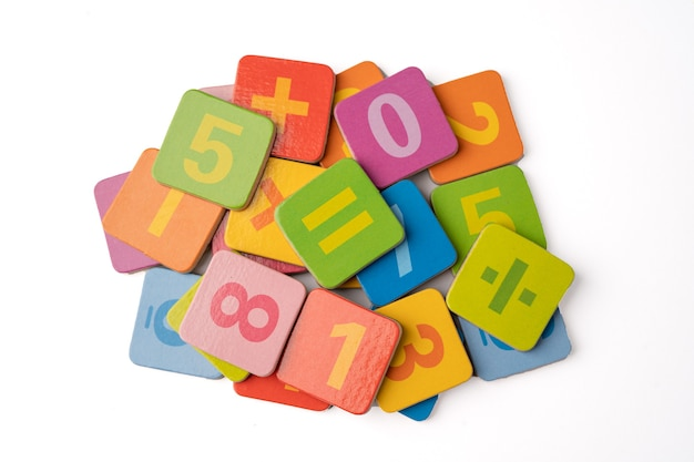 Numer Matematyki Na Białym Tle. Premium Zdjęcia