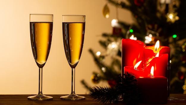Obchody nowego roku z imprezą z winem szampańskim na 2020 rok