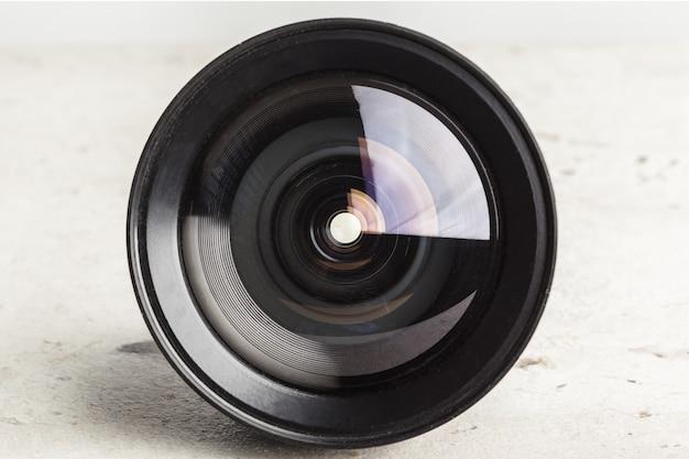 Obiektyw aparatu z bliska
