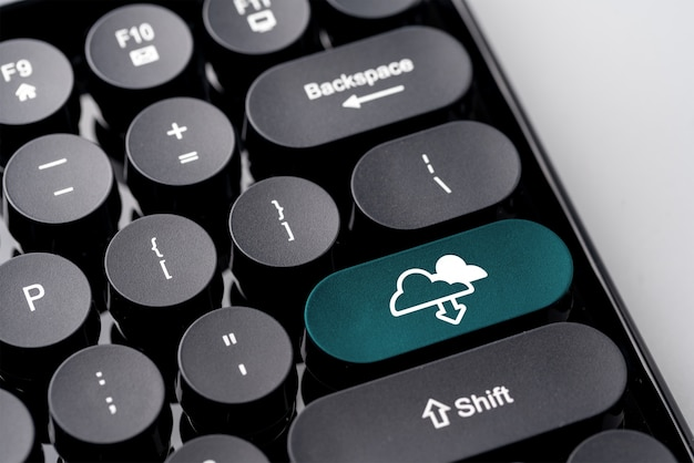 Obłoczna technologii ikona dla zakupy online globalnego biznesu pojęcia na retro klawiaturze