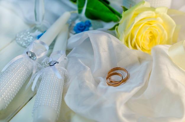 Obrączki i akcesoria ślubne na ślub